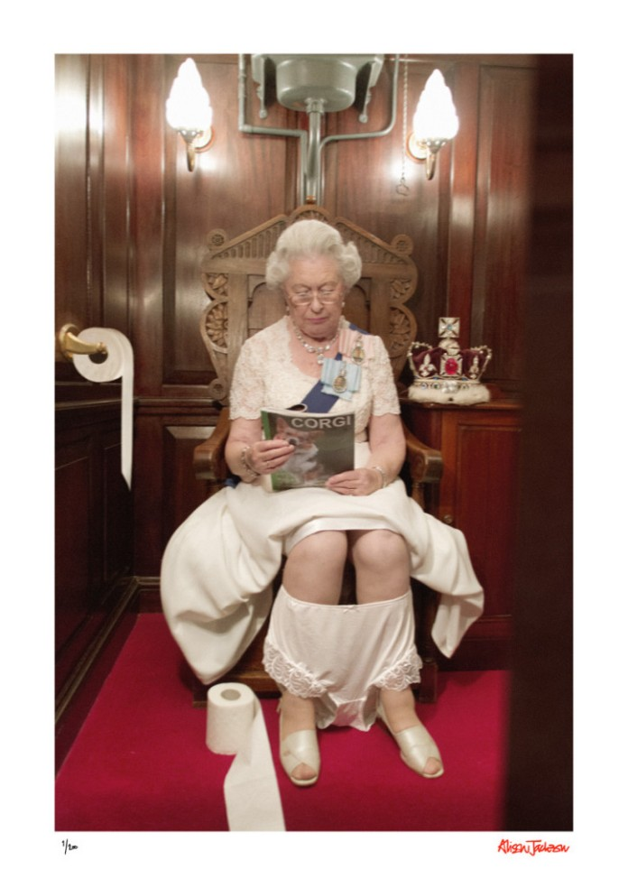 The Queen on the Loo