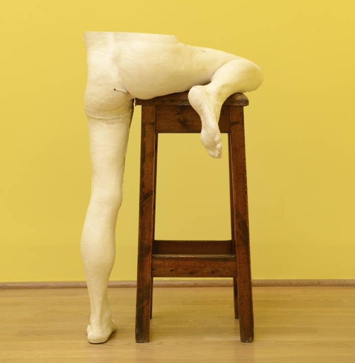 sarah-lucas-british-pavilion-at-the-venice-art-biennale-designboom-02